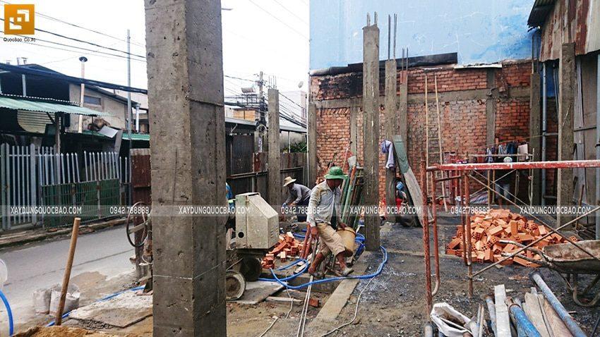 Thi công đổ bê tông cột, trụ tầng trệt - Ảnh 3
