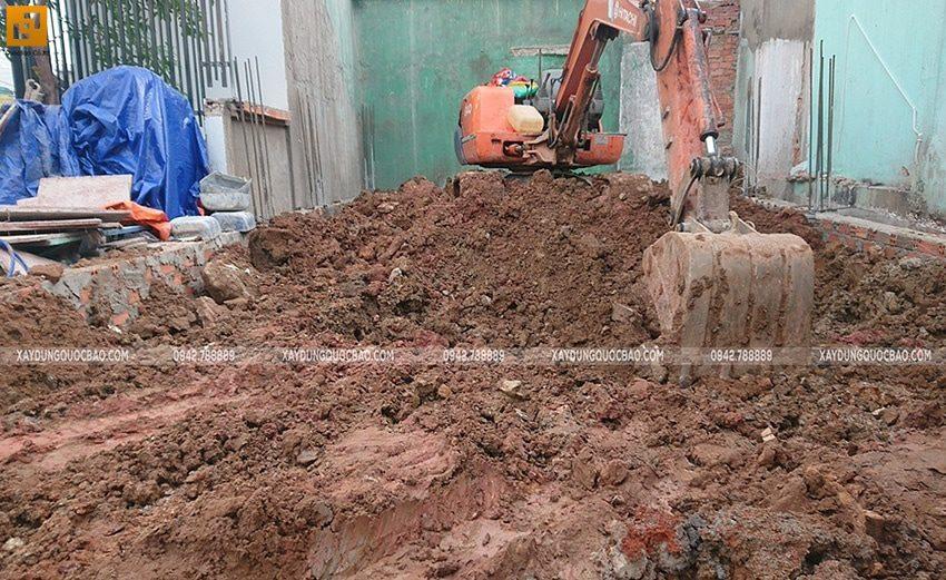 Công tác san lấp đất móng nhà ống - Ảnh 1