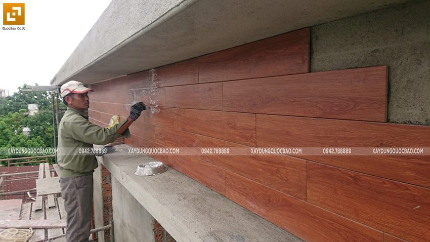 Ốp tấm bê tông giả gỗ smartwood phía ngoài Biệt thự