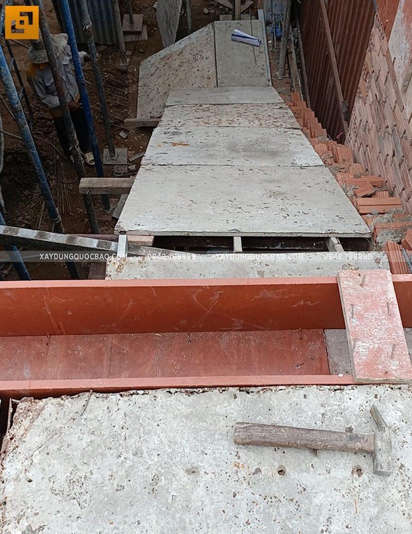 Lắp đặt ván cofa dầm sàn tầng trệt - Ảnh 4