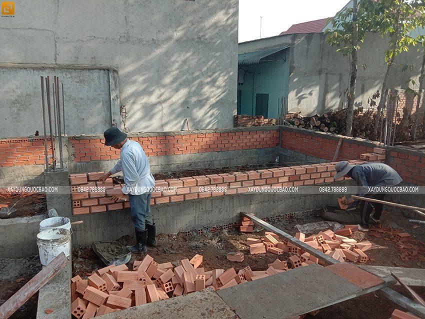 Công tác đổ bê tông sàn tầng trệt - Ảnh 1