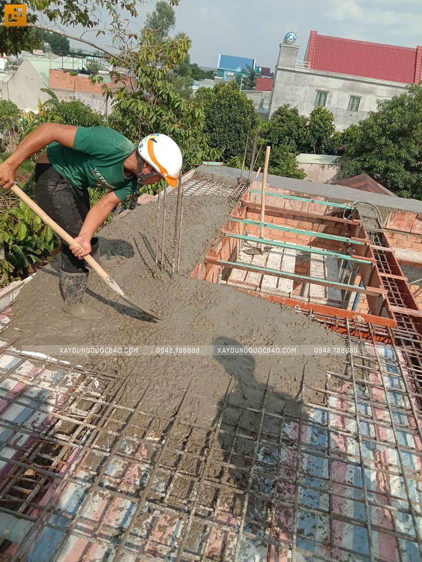 Công tác đổ bê tông dầm, sàn lầu 1 - Ảnh 1