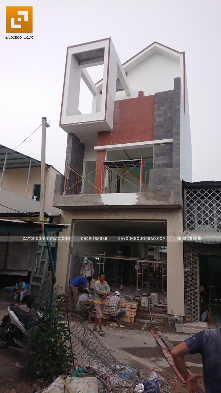 Thi công hoàn thiện khu vực tầng trệt