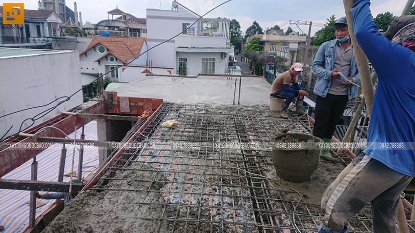 Đổ bê tông dầm, sàn lầu 1 - Ảnh 2
