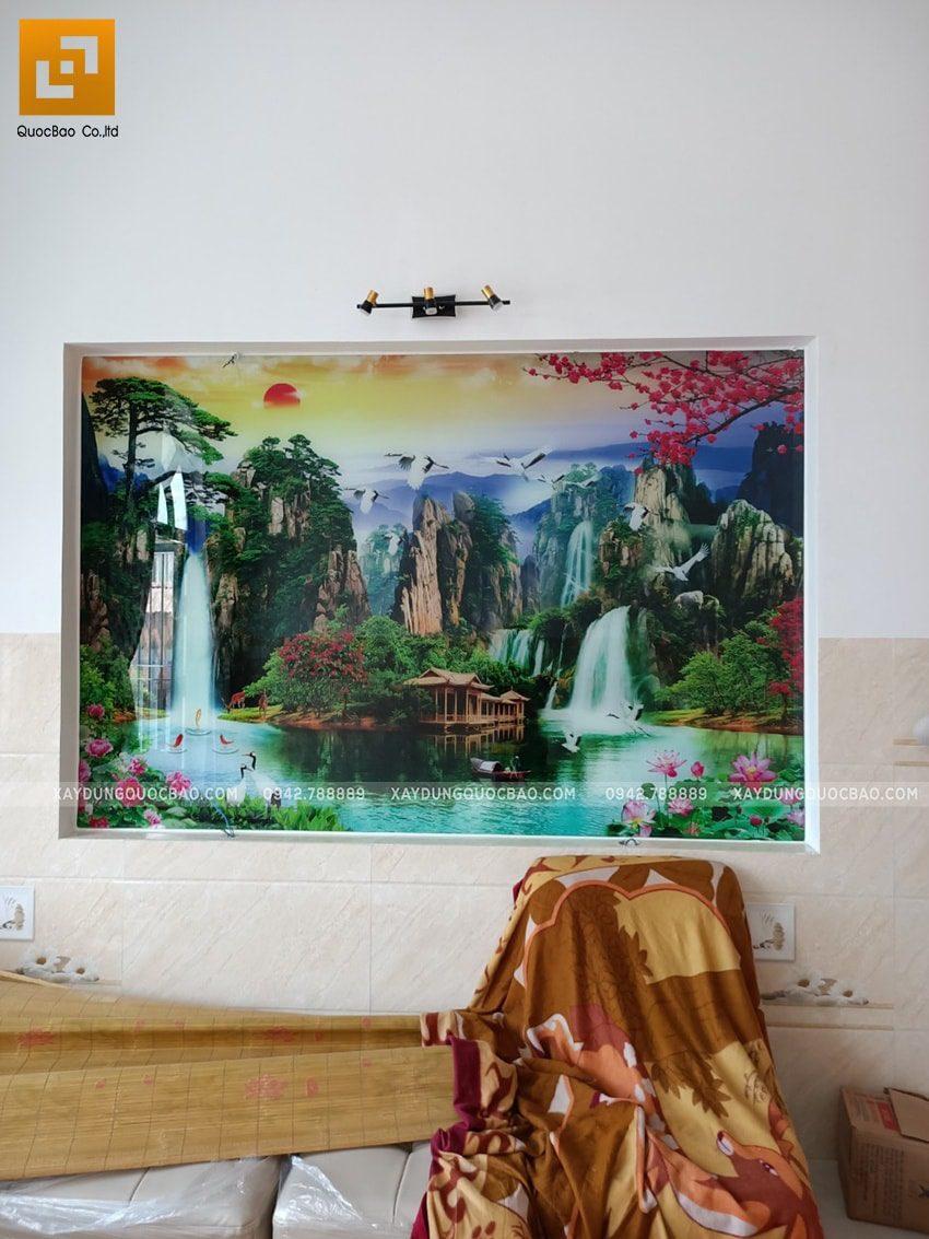 Phòng ngủ được trang trí bức tranh phong cảnh khổ lớn