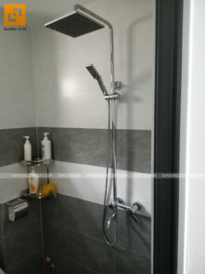 Phòng vệ sinh lầu 1 đầy đủ tiện nghi