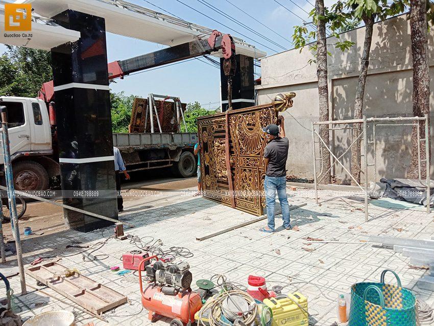 Thi công hoàn thiện cổng biệt thự - Ảnh 1