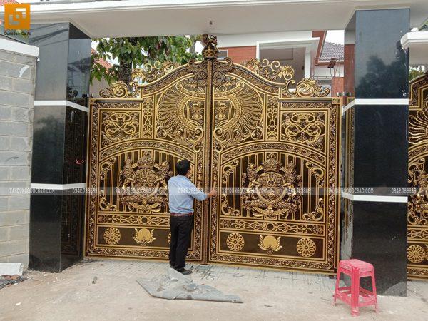Thi công hoàn thiện cổng biệt thự - Ảnh 2