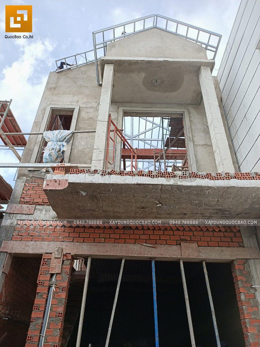 Công tác tô trát xi măng mặt tiền nhà