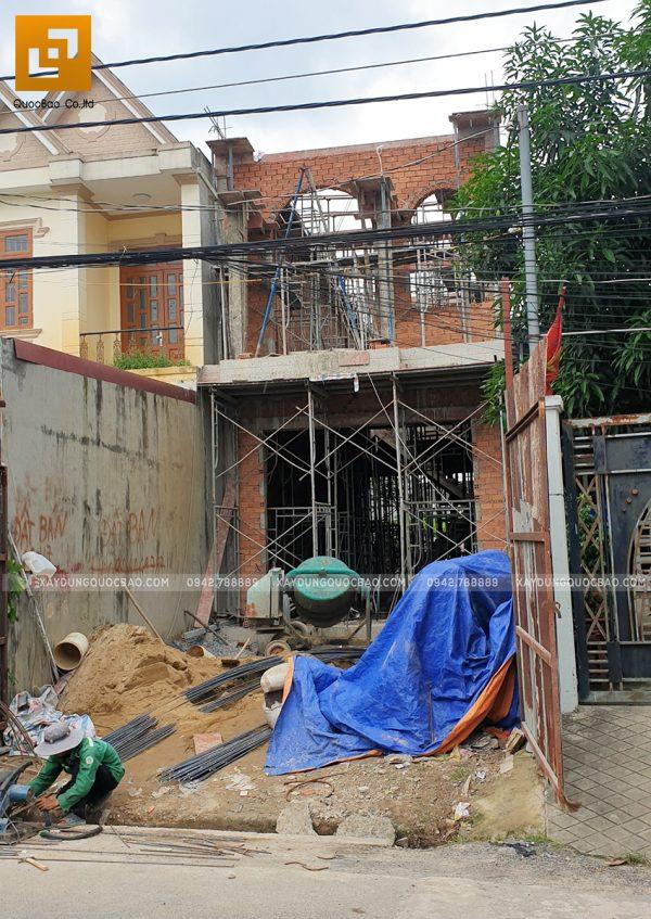 Phần khung nhà đang dần lộ diện