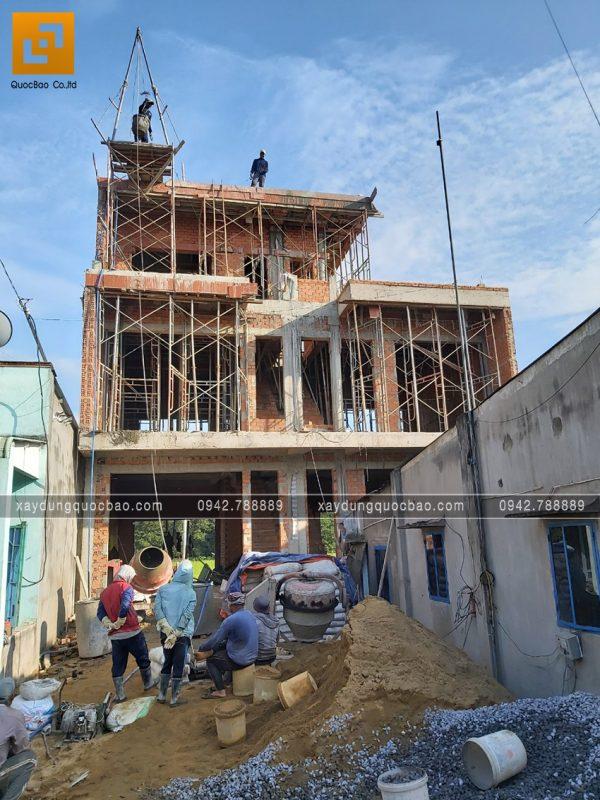 Công trình nhà song lập 3 tầng đang dần thành hình