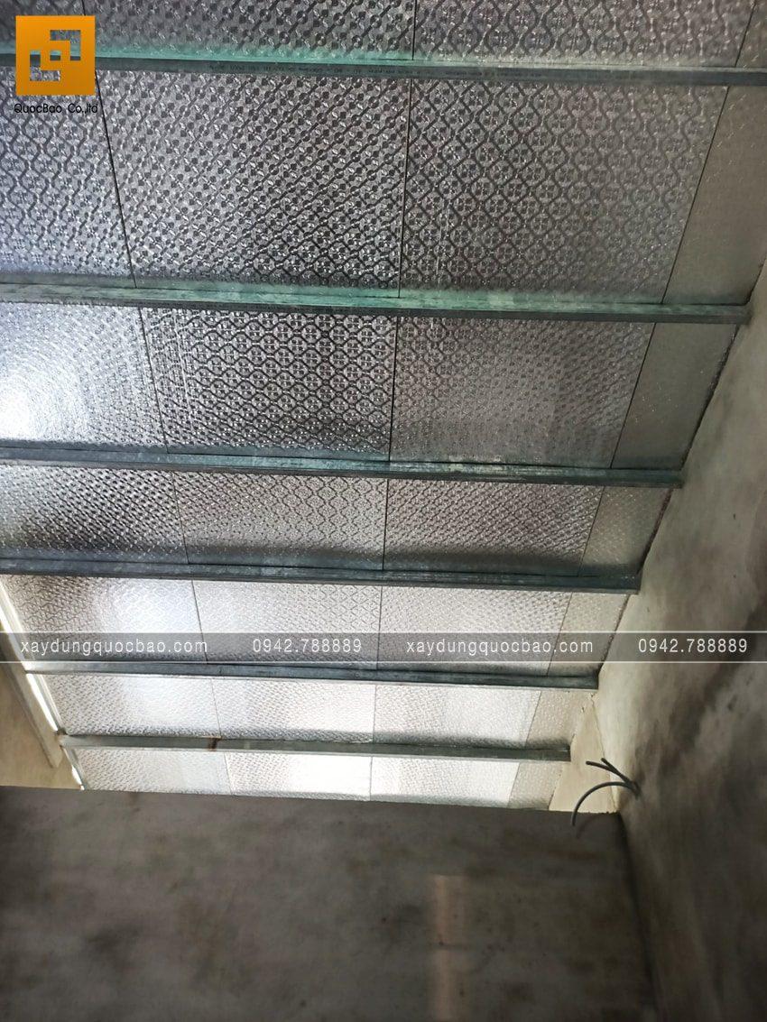 Thi công tấm cách nhiệt Cát Tường chống cháy, phản xạ nhiệt và cách âm