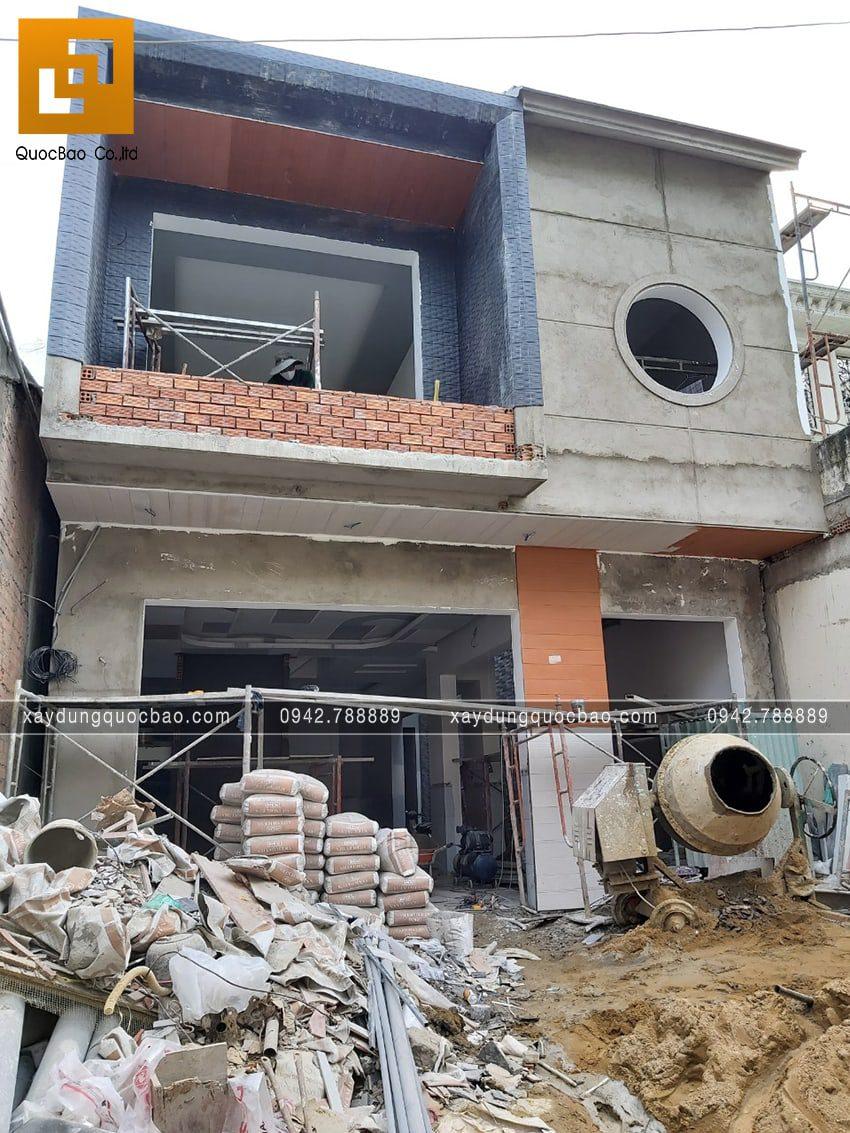 Thi công hoàn thiện nhà 3 tầng mái ngói - Ảnh 2