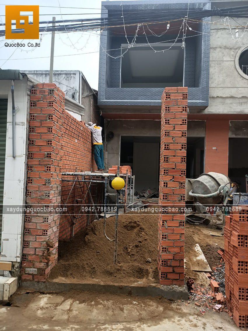 Thi công hoàn thiện nhà 3 tầng mái ngói - Ảnh 5