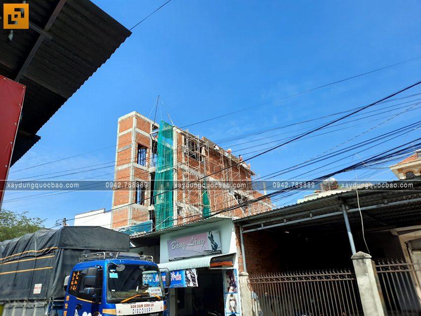 Thi công phần thô nhà 4 tầng của anh Hùng - Ảnh 11