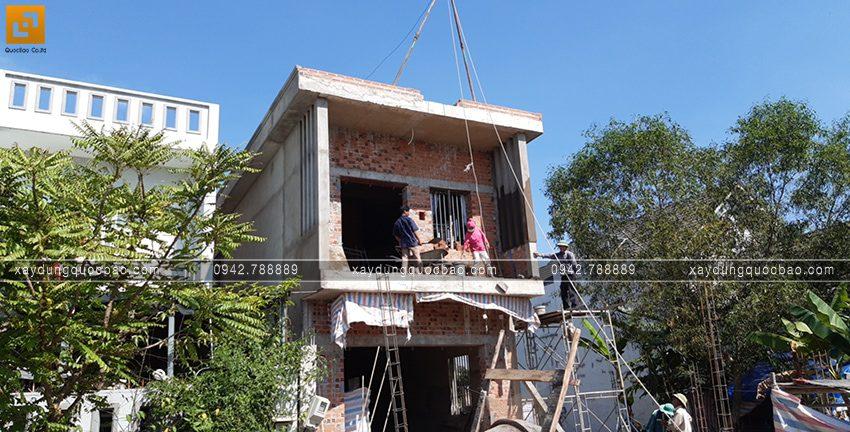 Thi công phần thô lầu 1 nhà 2 tầng - Ảnh 4