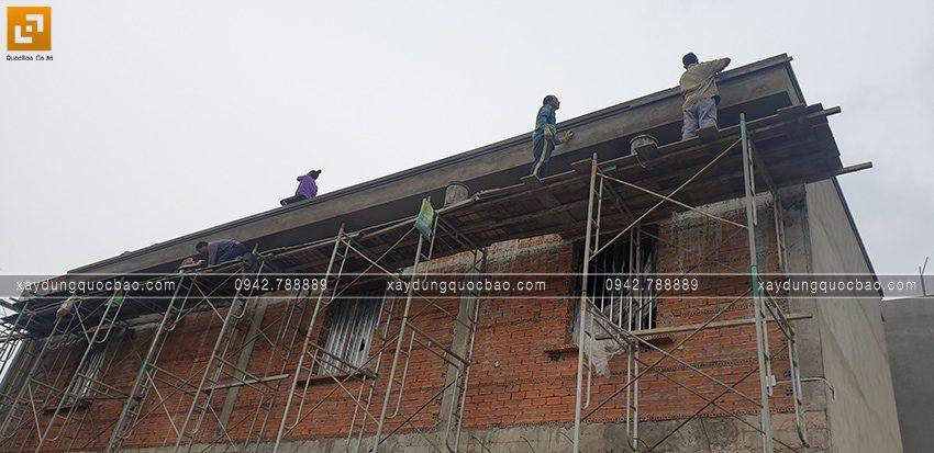 Thi công phần thô lầu 1 nhà 2 tầng - Ảnh 5
