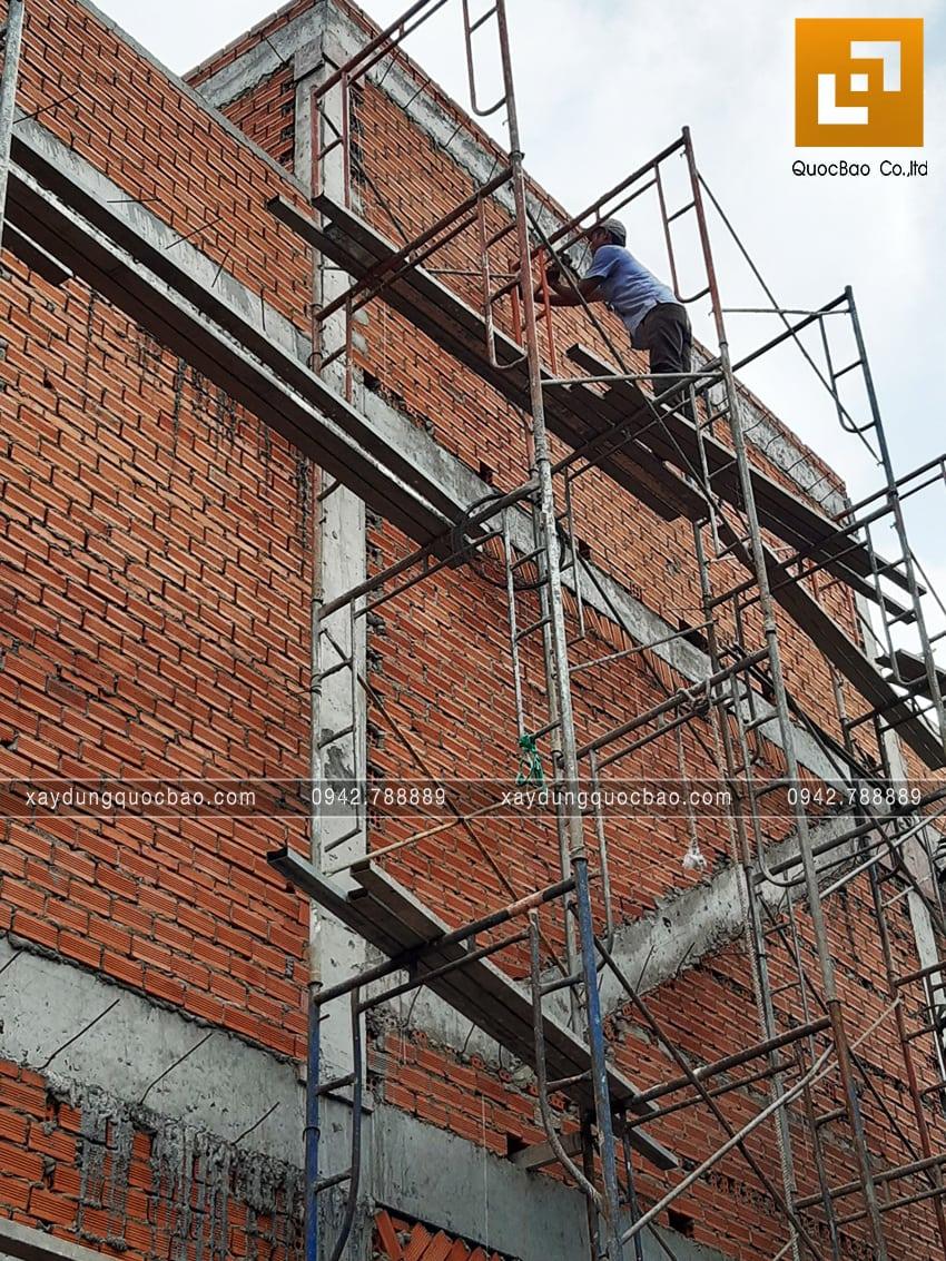 Thi công phần thô nhà 3 tầng đẹp của chị Ngân - Ảnh 6