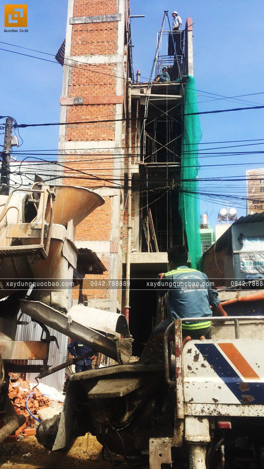 Thi công phần thô nhà 4 tầng của anh Hùng - Ảnh 10