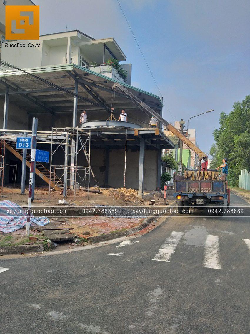 Thi công lắp đặt khung sườn quán cà phê 2 tầng - Ảnh 3