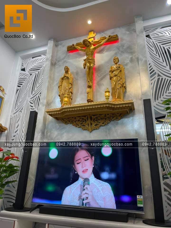 Kệ thờ Chúa bằng gỗ họa tiết bắt mắt