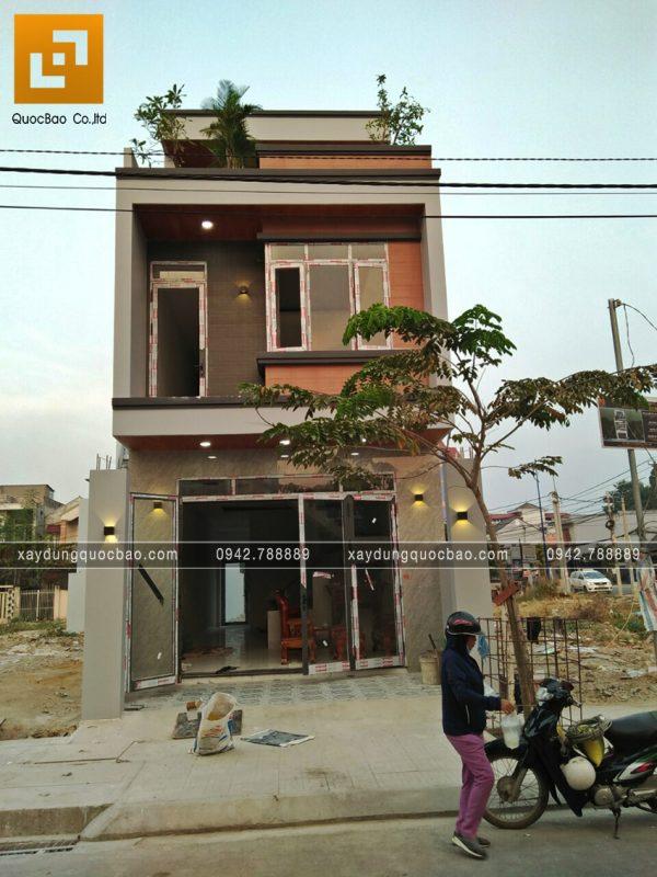 Hoàn thiện phần mặt tiền ngôi nhà 3 tầng