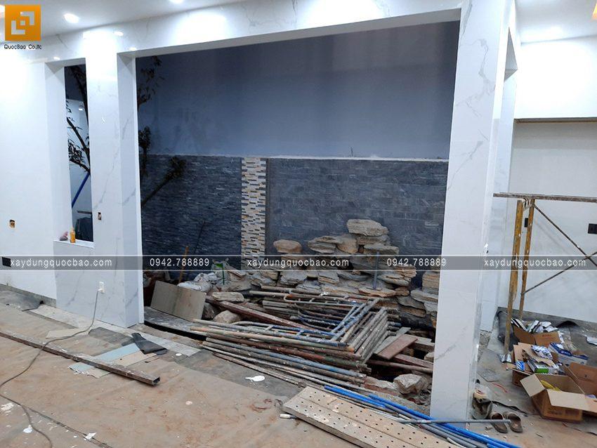 Thi công hoàn thiện nhà mái lệch 2 tầng - Ảnh 11