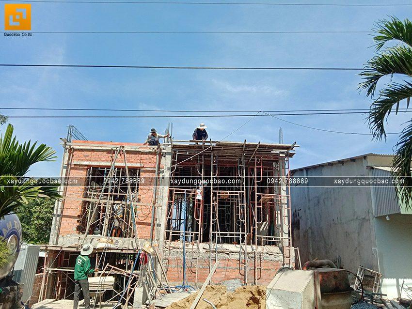 Thi công phần thô tầng trệt biệt thự vườn tại Vĩnh Cửu - Ảnh 31