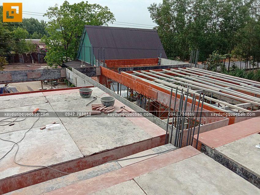 Thi công phần thô tầng trệt biệt thự vườn tại Vĩnh Cửu - Ảnh 30