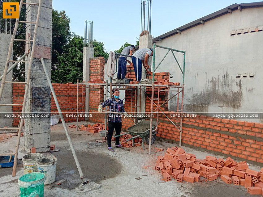 Thi công phần thô tầng trệt biệt thự vườn tại Vĩnh Cửu - Ảnh 26