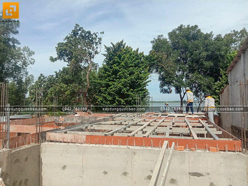 Thi công phần thô tầng trệt biệt thự vườn tại Vĩnh Cửu - Ảnh 6