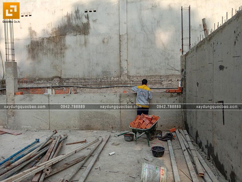 Thi công phần thô tầng trệt biệt thự vườn tại Vĩnh Cửu - Ảnh 2