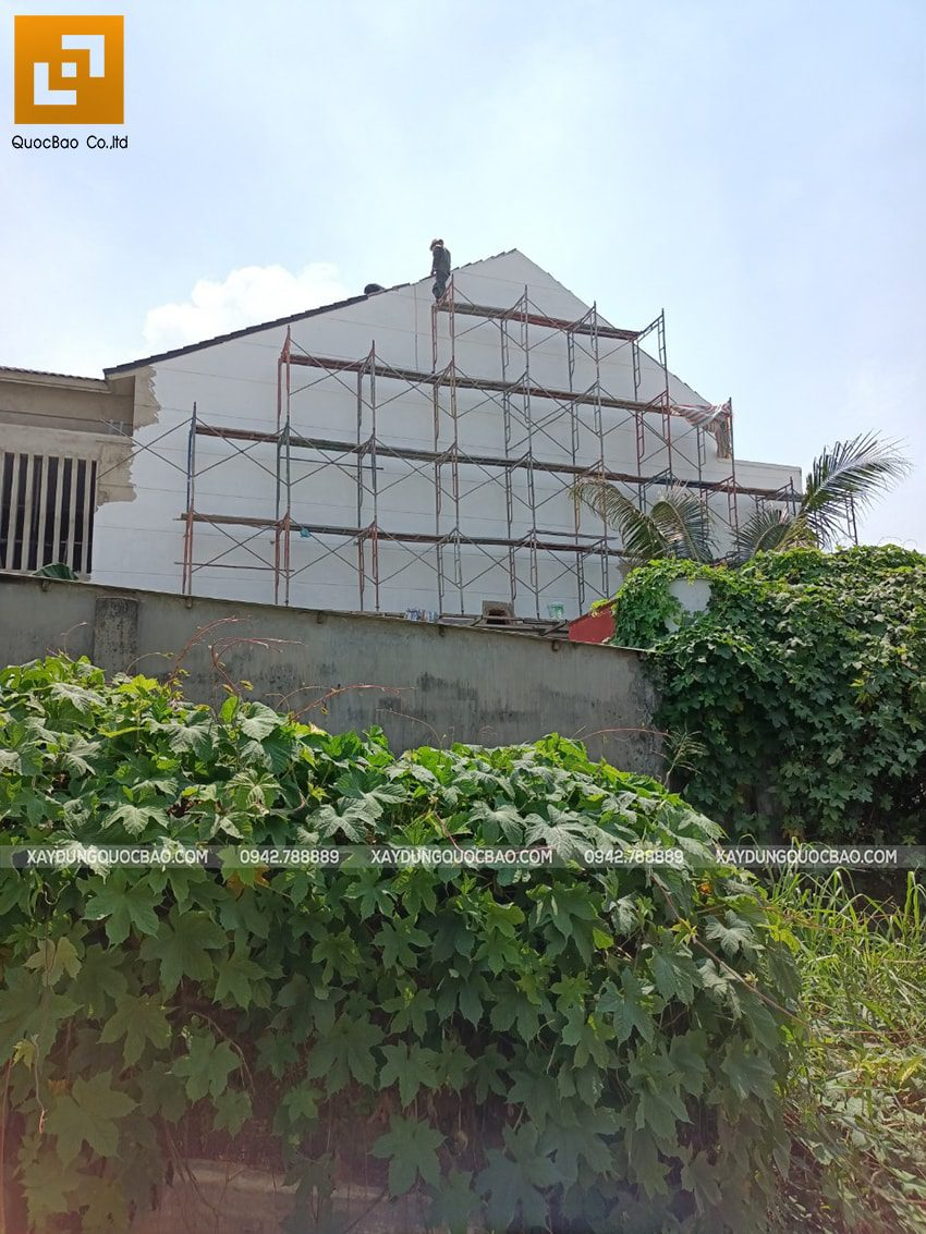 Thi công hoàn thiện nhà mái thái 2 tầng - Ảnh 1