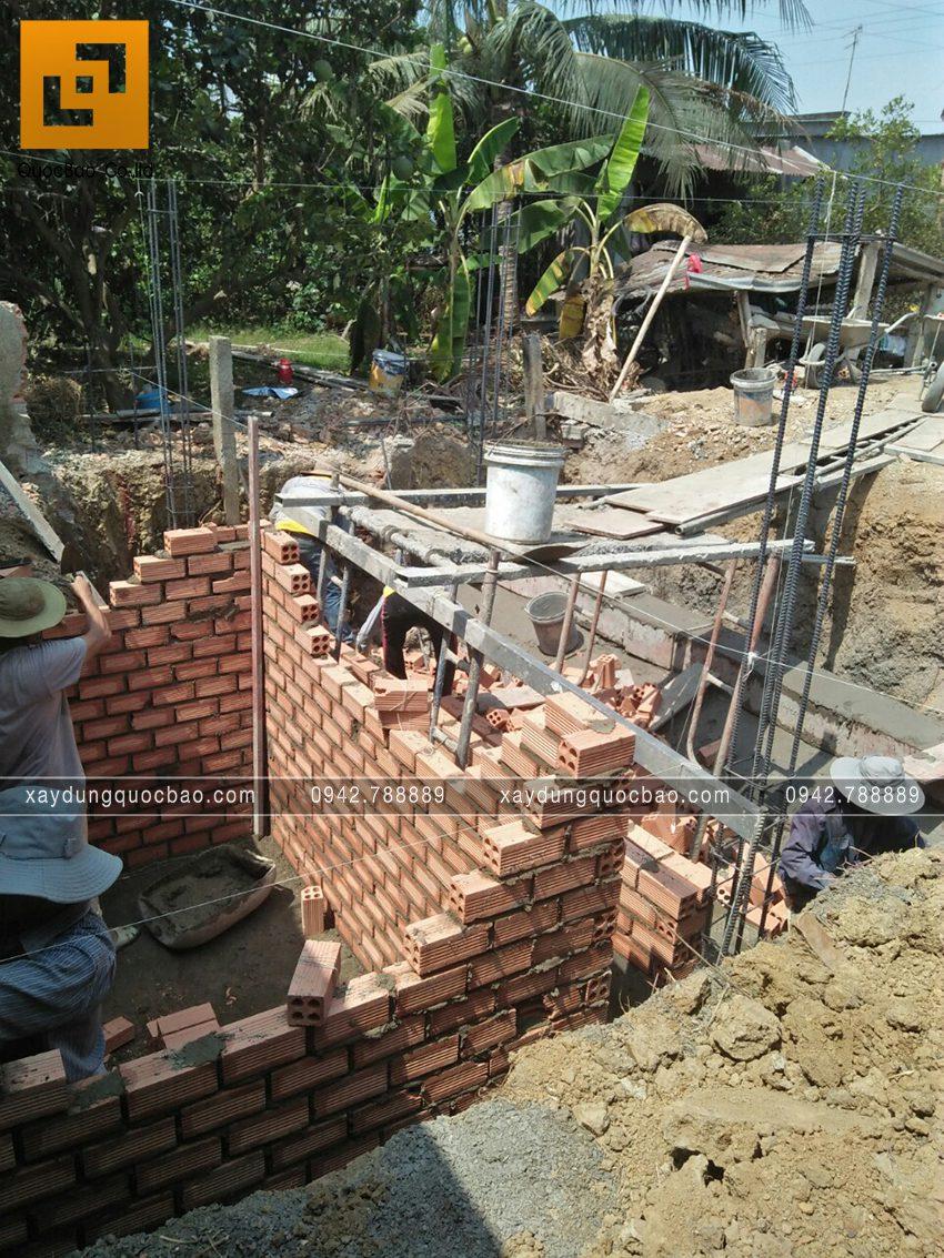 Thi công phần thô tầng trệt nhà mái thái - Ảnh 3