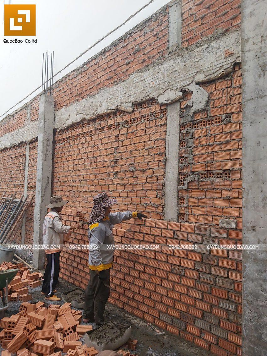Thi công phần thô tầng trệt nhà 3 tầng - Ảnh 7