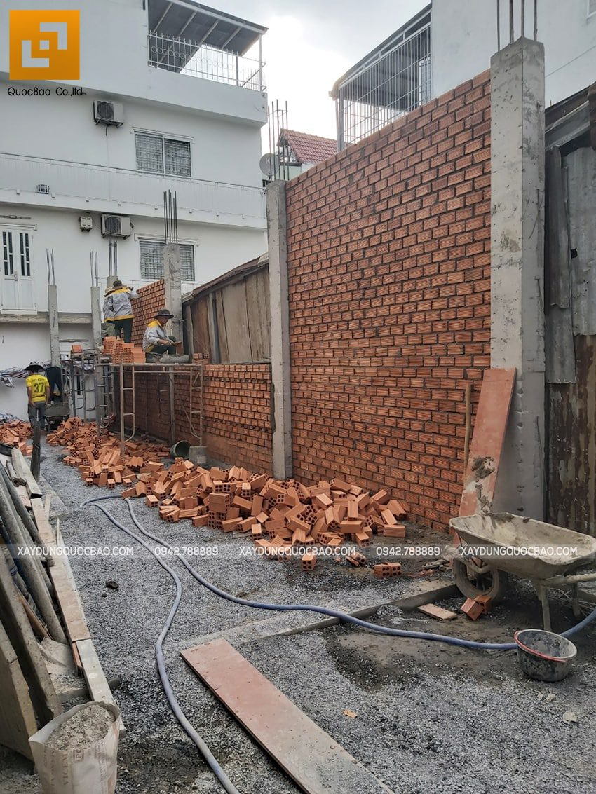 Thi công phần thô tầng trệt nhà 3 tầng - Ảnh 9