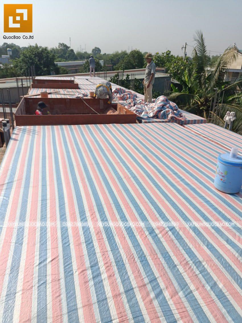 Thi công phần thô lầu 1 nhà mái thái tại Bình Dương - Ảnh 1