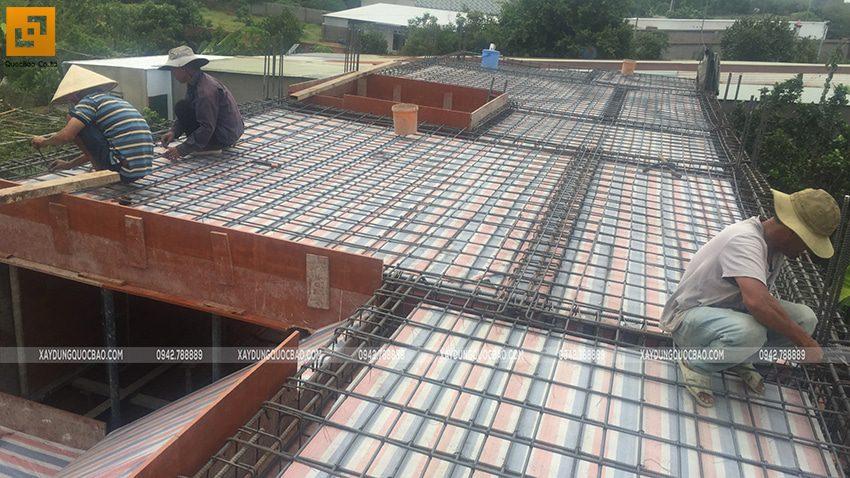 Thi công phần thô lầu 1 nhà mái thái tại Bình Dương - Ảnh 4