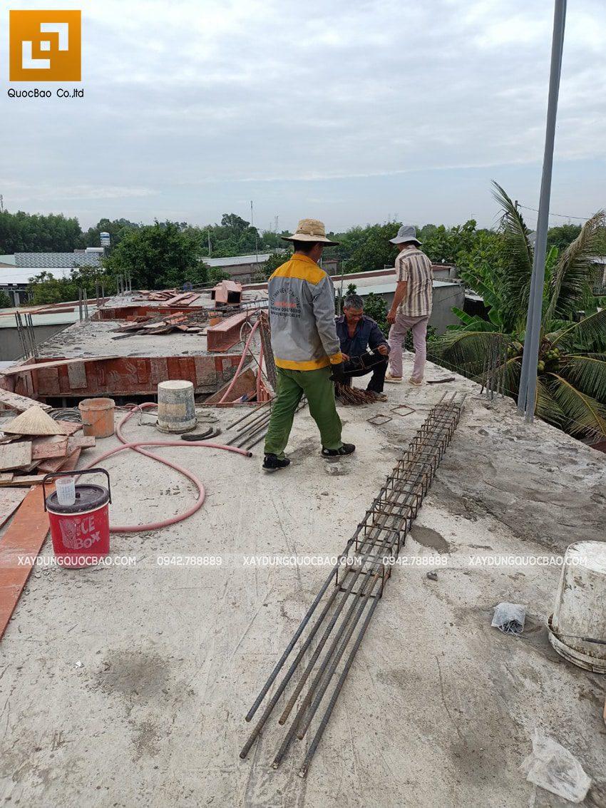 Thi công phần thô lầu 1 nhà mái thái tại Bình Dương - Ảnh 6