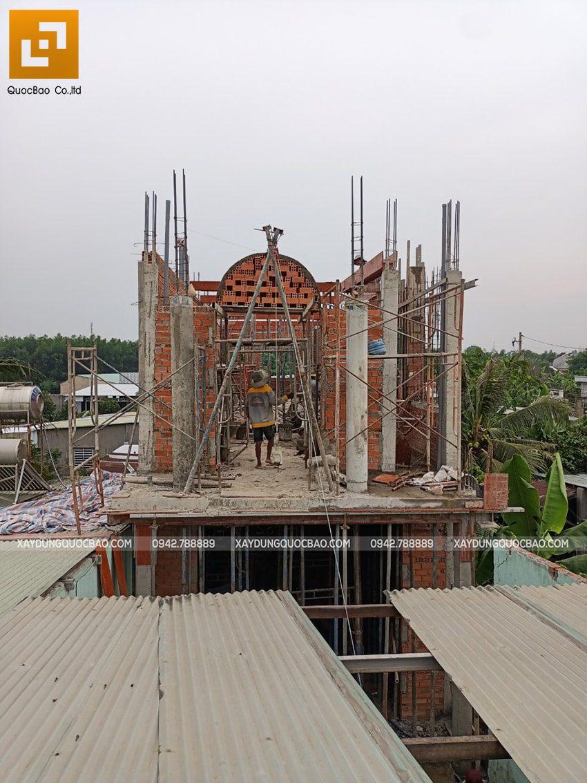 Thi công phần thô lầu 1 nhà mái thái tại Bình Dương - Ảnh 13
