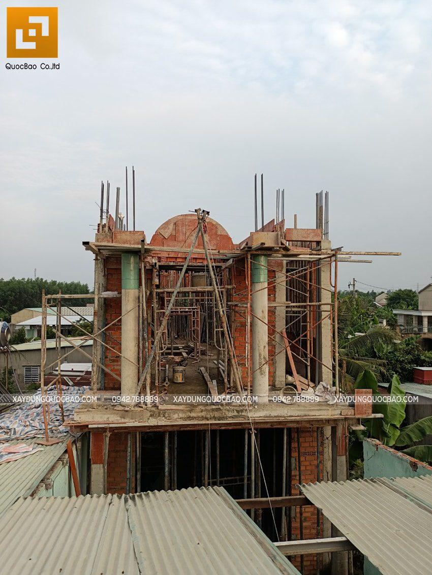 Thi công phần thô lầu 1 nhà mái thái tại Bình Dương - Ảnh 15