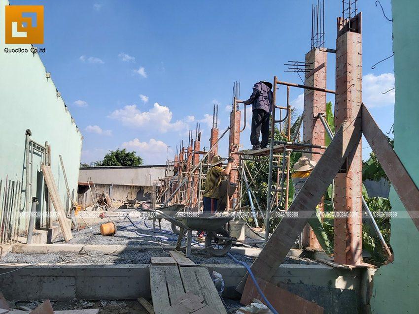 Thi công phần thô tầng trệt nhà mái thái tại Bình Dương - Ảnh 2