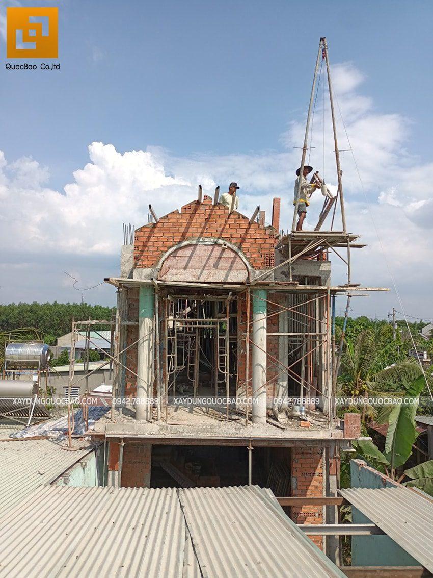 Thi công phần thô lầu 1 nhà mái thái tại Bình Dương - Ảnh 23