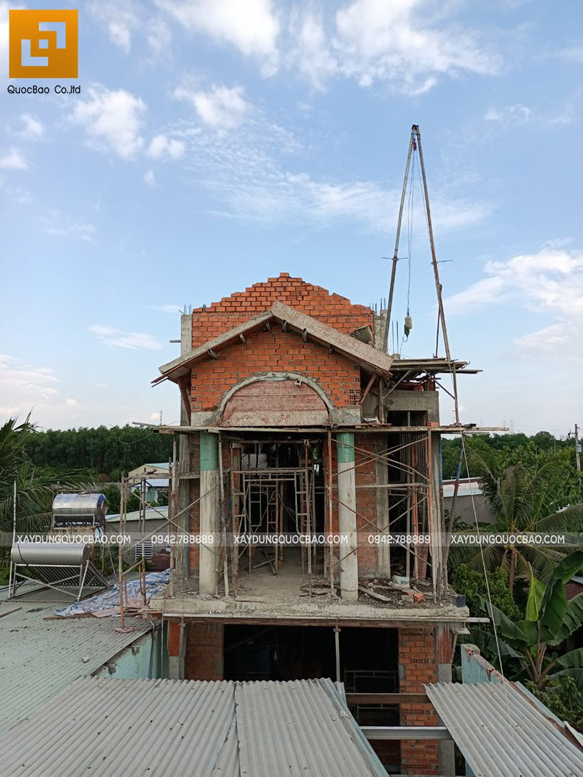 Thi công phần thô lầu 1 nhà mái thái tại Bình Dương - Ảnh 26