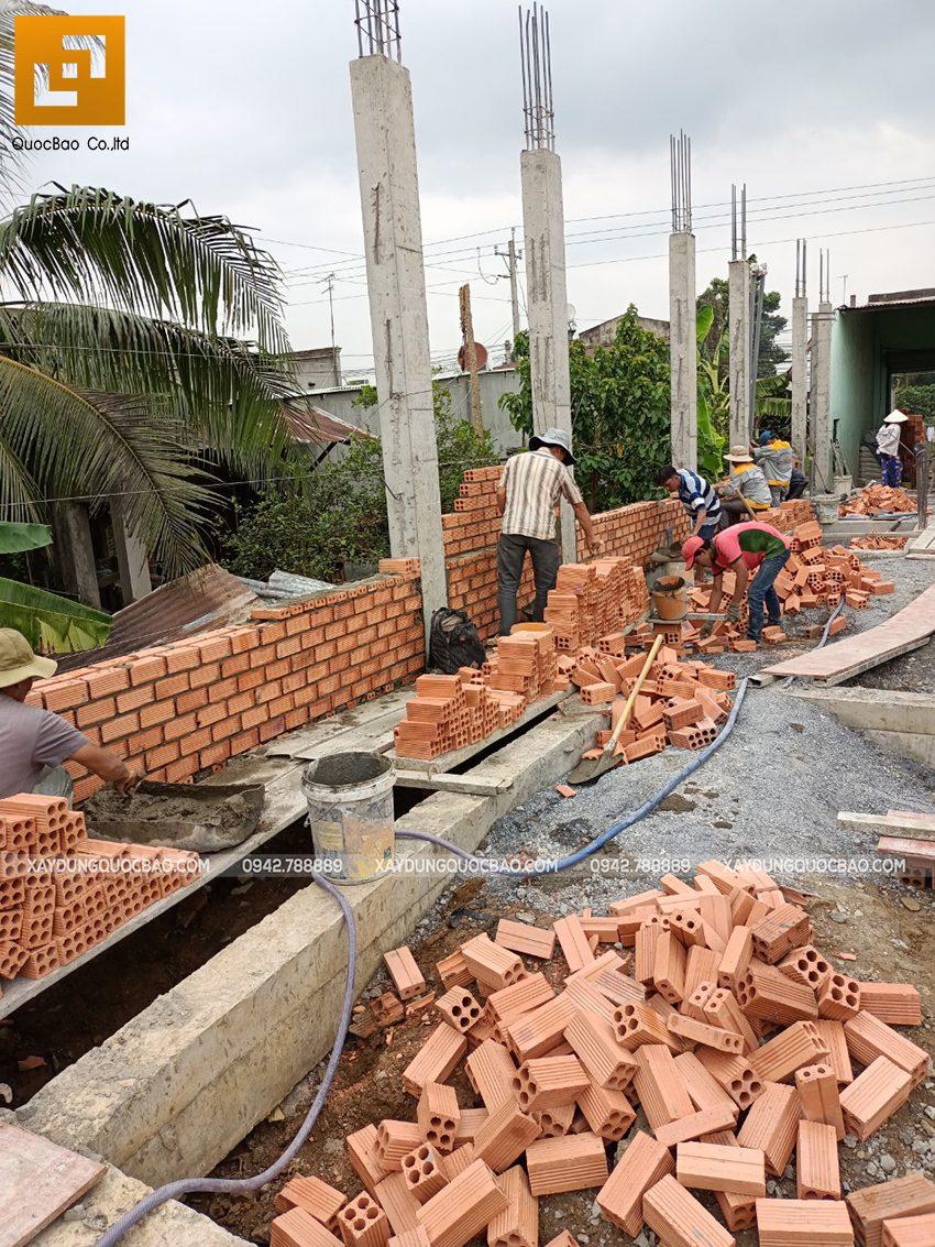Thi công phần thô tầng trệt nhà mái thái tại Bình Dương - Ảnh 6
